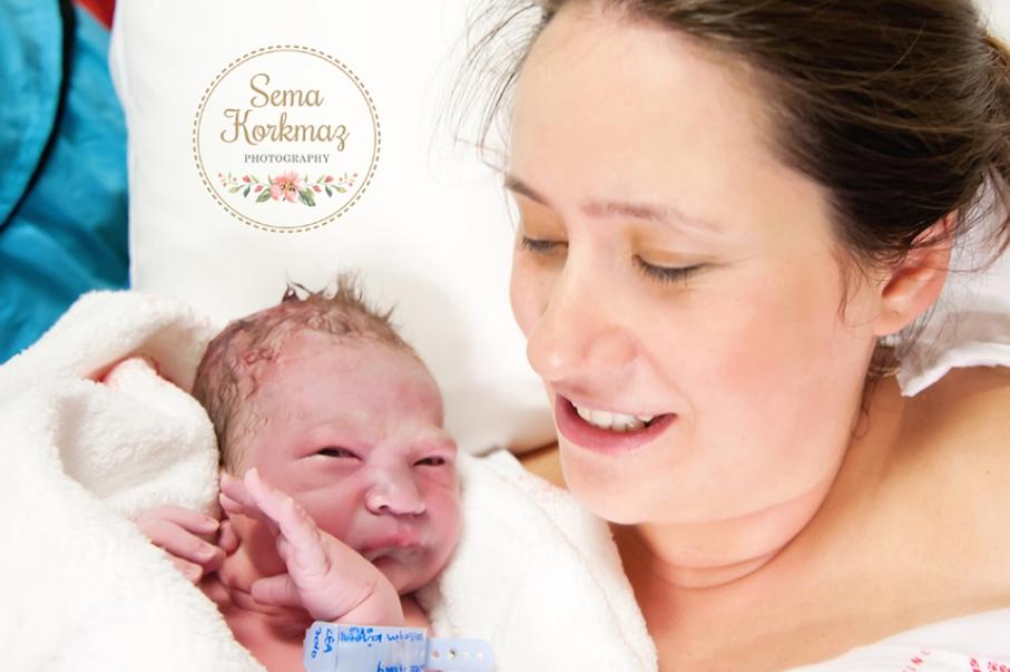 Gayrettepe Florance Nightingale doğum fotoğrafları. Zaman: Bebeğe ilk kavuşma. Fotoğrafçı: Sema Korkmaz