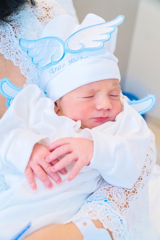 Florance Nightingale Hastanesi doğum fotoğrafları - Aras Bera doğumunun ikinici gününde gayet sakin.